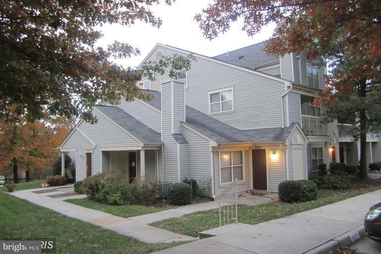 Condominium for Rent at 5858 Orchard Hill Ct #5858 Clifton, Virginia 20124 United States