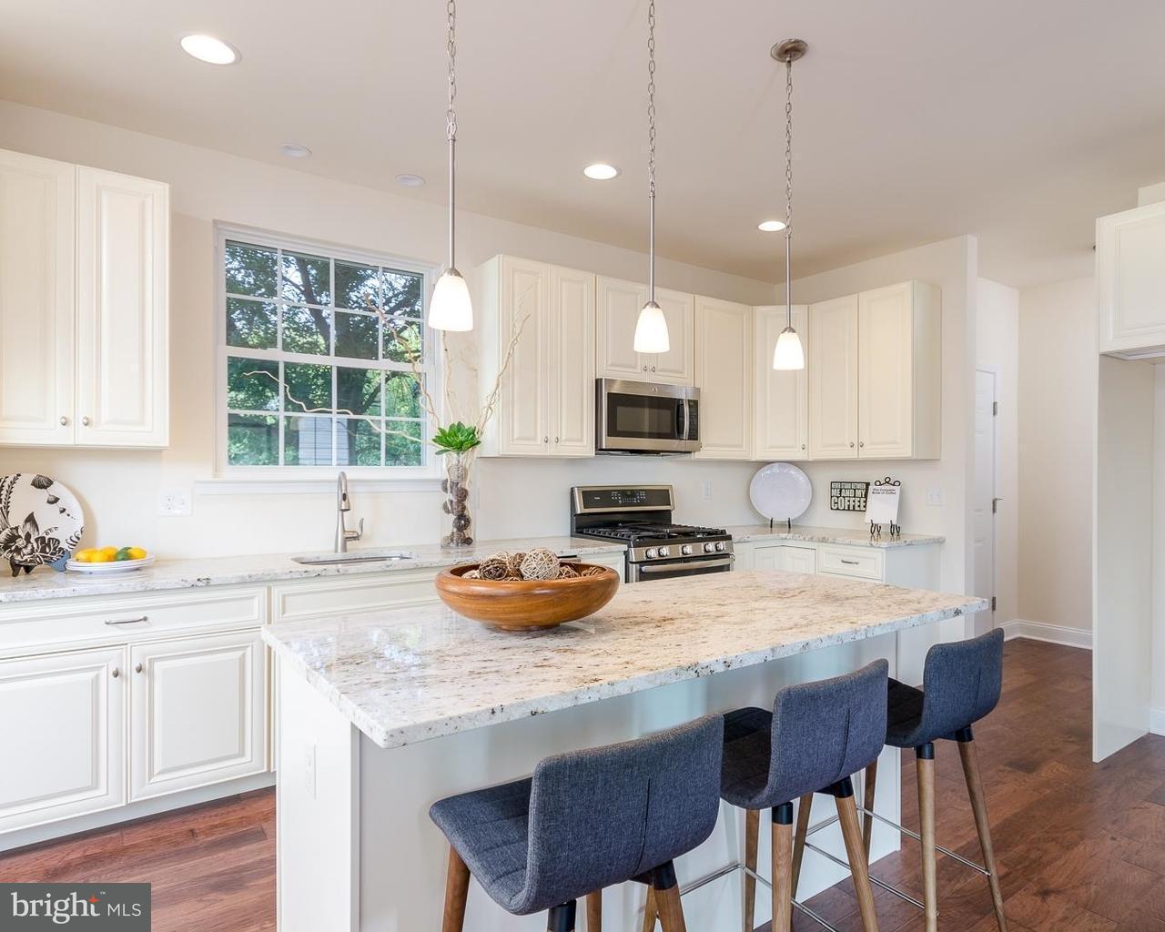 独户住宅 为 销售 在 41 JACKSON Road Berlin Boro, 新泽西州 08009 美国