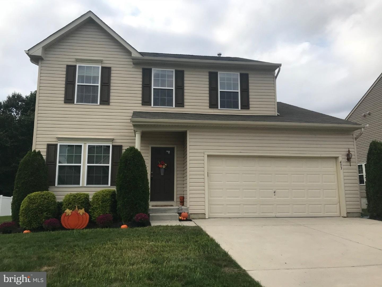 Nhà ở một gia đình vì Bán tại 403 TARPY Drive Woodbury, New Jersey 08096 Hoa Kỳ
