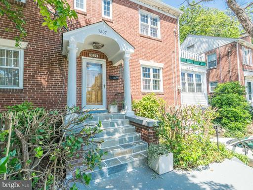 Property for sale at 3207 South Glebe Rd, Arlington,  VA 22202