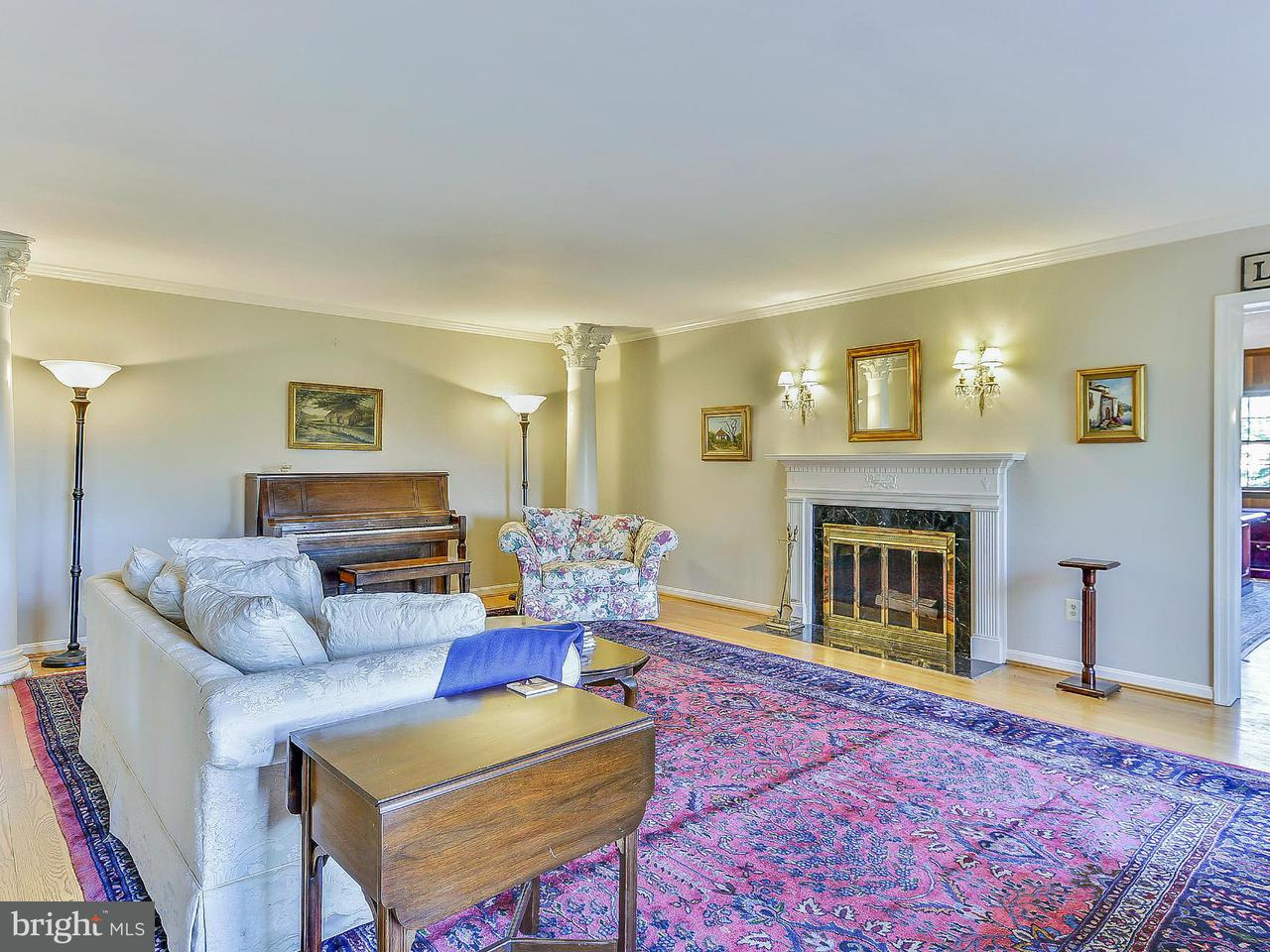 Additional photo for property listing at 900 Lynton Pl  McLean, Virginia 22102 United States