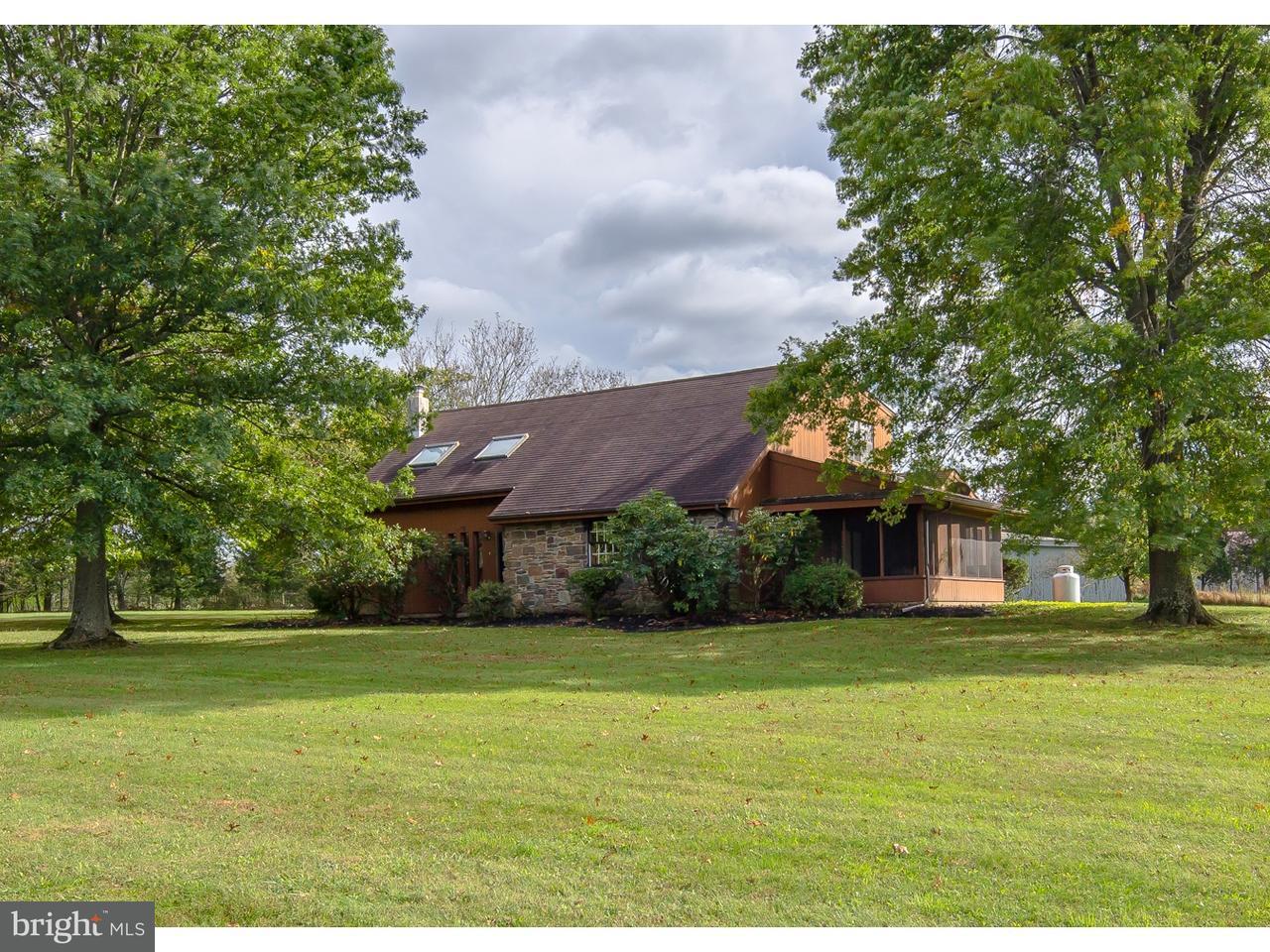Частный односемейный дом для того Продажа на 19 BEAVER RUN Road Tinicum, Пенсильвания 18942 Соединенные Штаты
