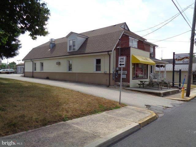 komerziell für Verkauf beim 65 Main Street 65 Main Street Biglerville, Pennsylvanien 17307 Vereinigte Staaten