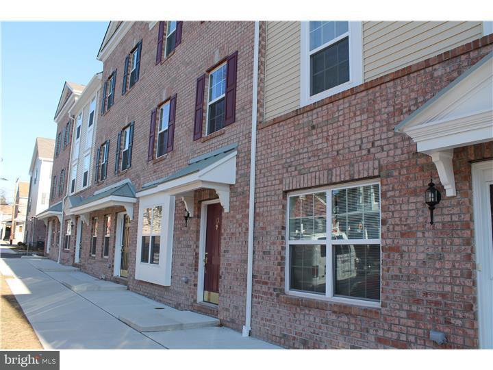 联栋屋 为 出租 在 13 CLIFF Street 特伦顿, 新泽西州 08611 美国在/周边: Trenton City