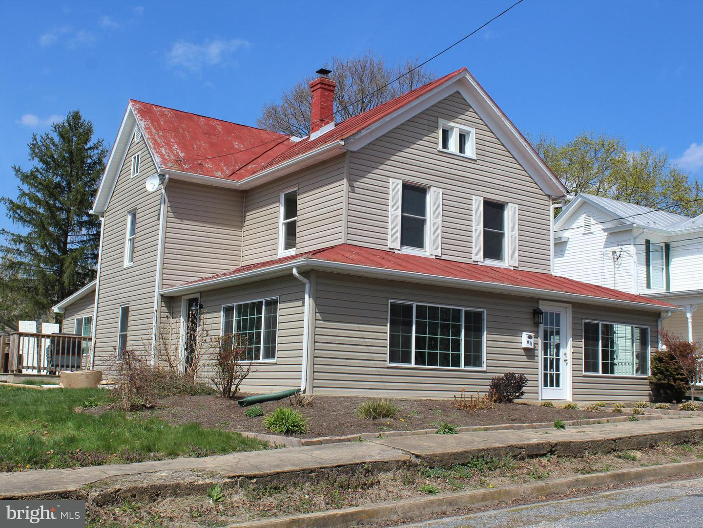 Single Family for Sale at 611 Denver Ave Shenandoah, Virginia 22849 United States