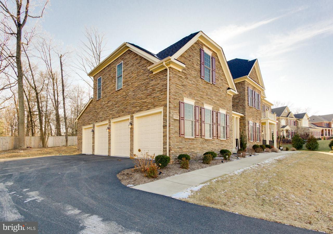 獨棟家庭住宅 為 出售 在 11389 Amber Hills Court 11389 Amber Hills Court Fairfax, 弗吉尼亞州 22033 美國