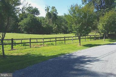 Property for sale at 321 Walker Rd, Great Falls,  VA 22066