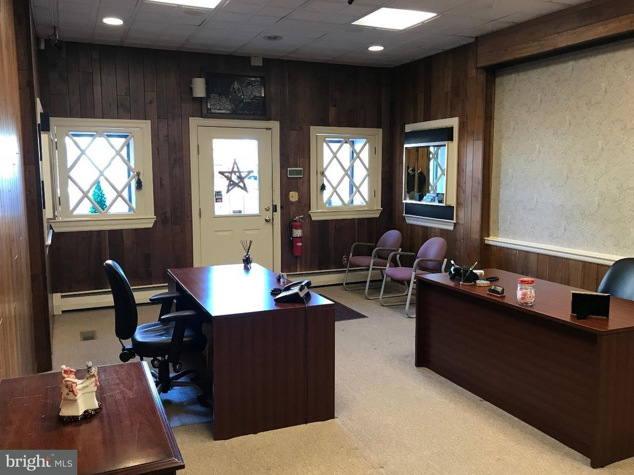 Maison unifamiliale pour l à louer à 6 S MAIN Street Woodstown, New Jersey 08098 États-Unis