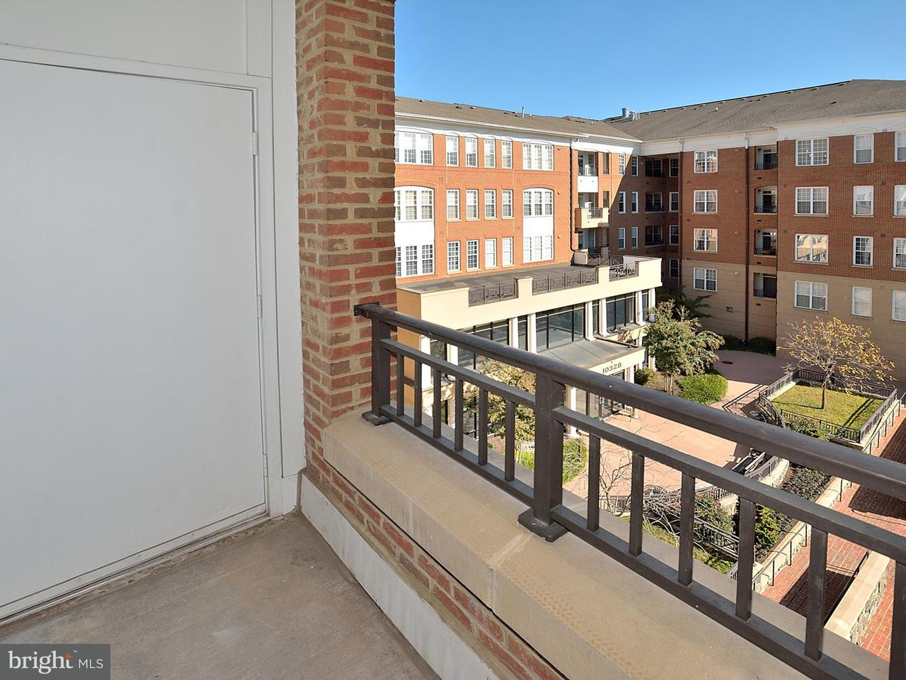Additional photo for property listing at 10328 Sager Ave #321 10328 Sager Ave #321 Fairfax, Virginia 22030 Stati Uniti