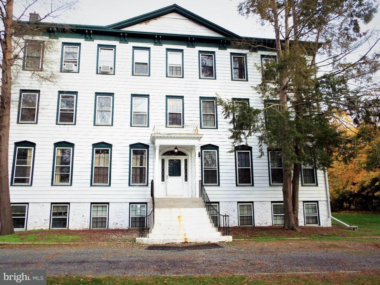 Casa Unifamiliar por un Alquiler en 96 N MAIN ST #5 Cranbury, Nueva Jersey 08512 Estados UnidosEn/Alrededor: Cranbury Township