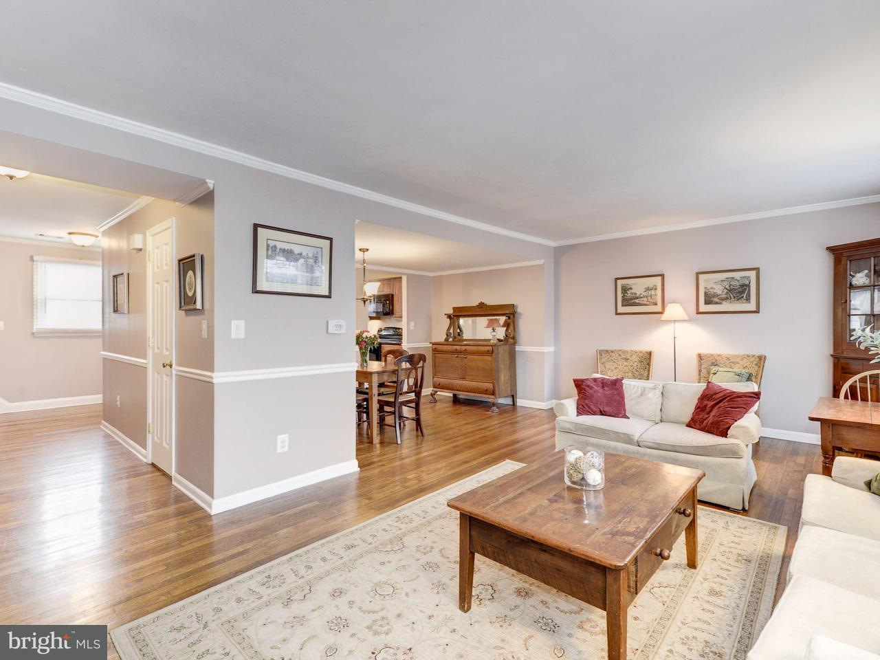 Additional photo for property listing at 3881 Chain Bridge Road 3881 Chain Bridge Road Fairfax, Virginia 22030 Stati Uniti