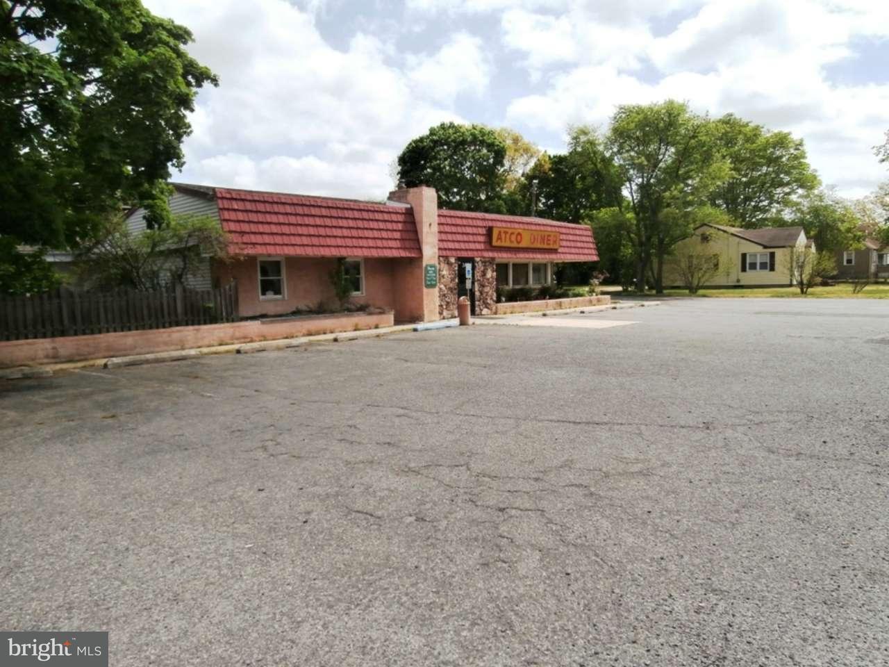 Enfamiljshus för Försäljning vid 348 WHITE HORSE PIKE Atco, New Jersey 08004 Usa