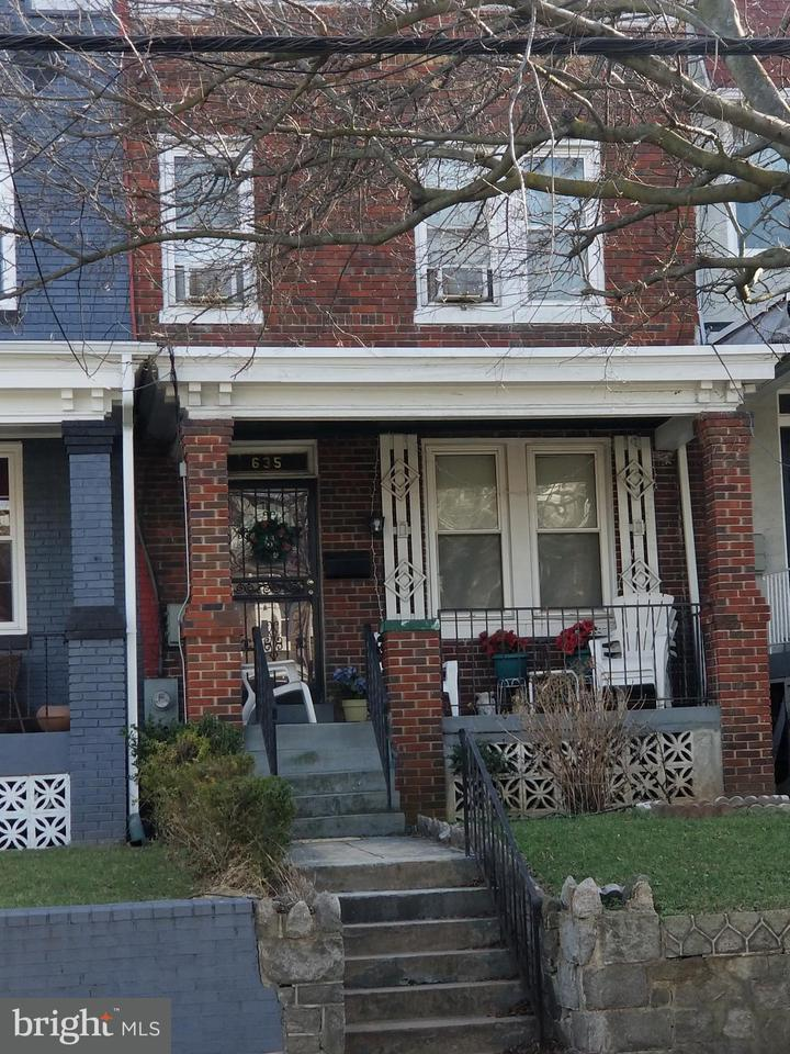 Single Family for Sale at 635 Franklin St NE Washington, District Of Columbia 20017 United States