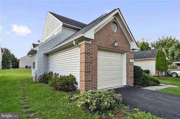 Additional photo for property listing at 1725 Douglas St Ne 1725 Douglas St Ne Washington, Distrito De Columbia 20018 Estados Unidos