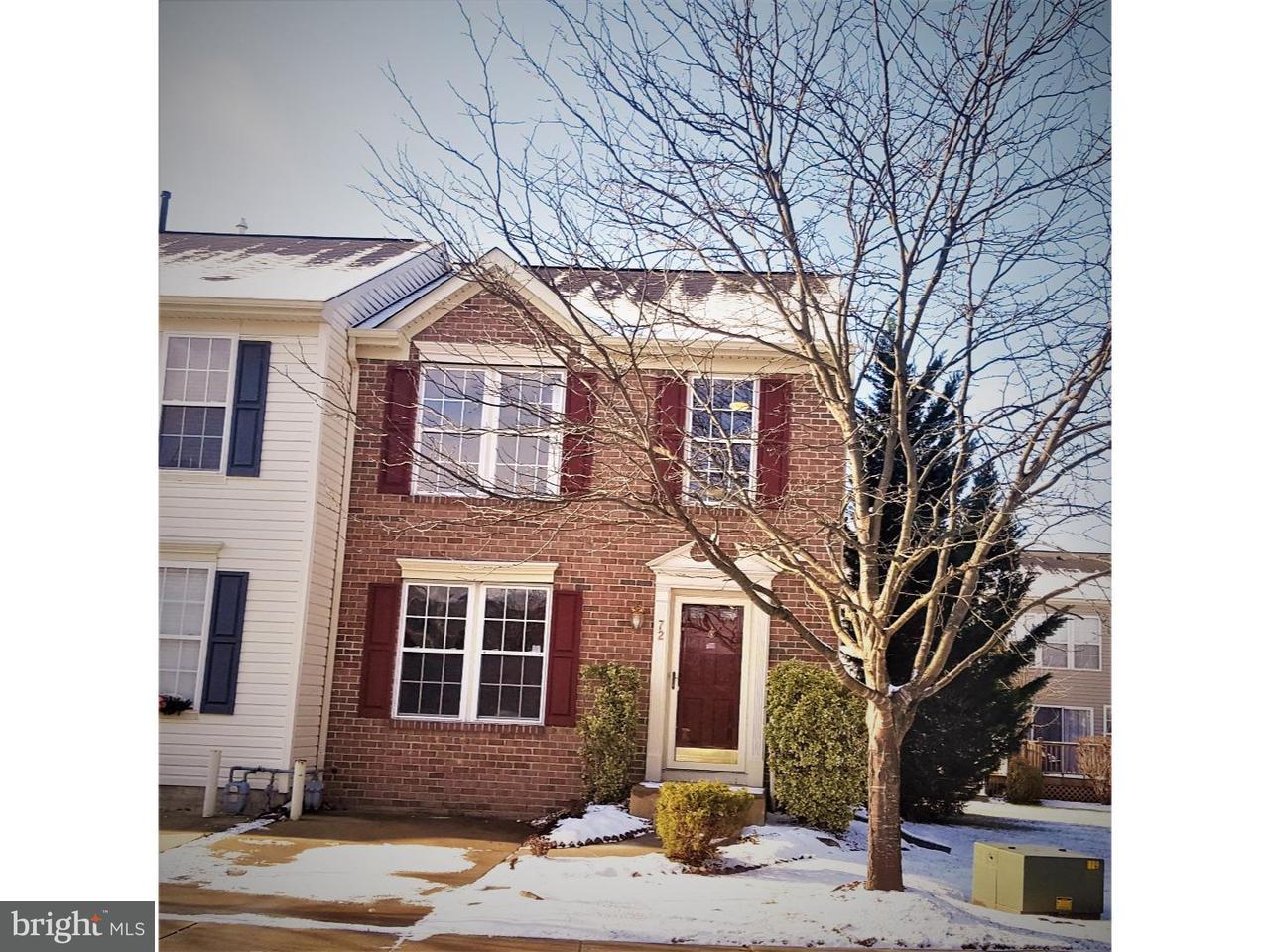 Casa unifamiliar adosada (Townhouse) por un Venta en 72 CLEMENS Lane Blackwood, Nueva Jersey 08012 Estados Unidos