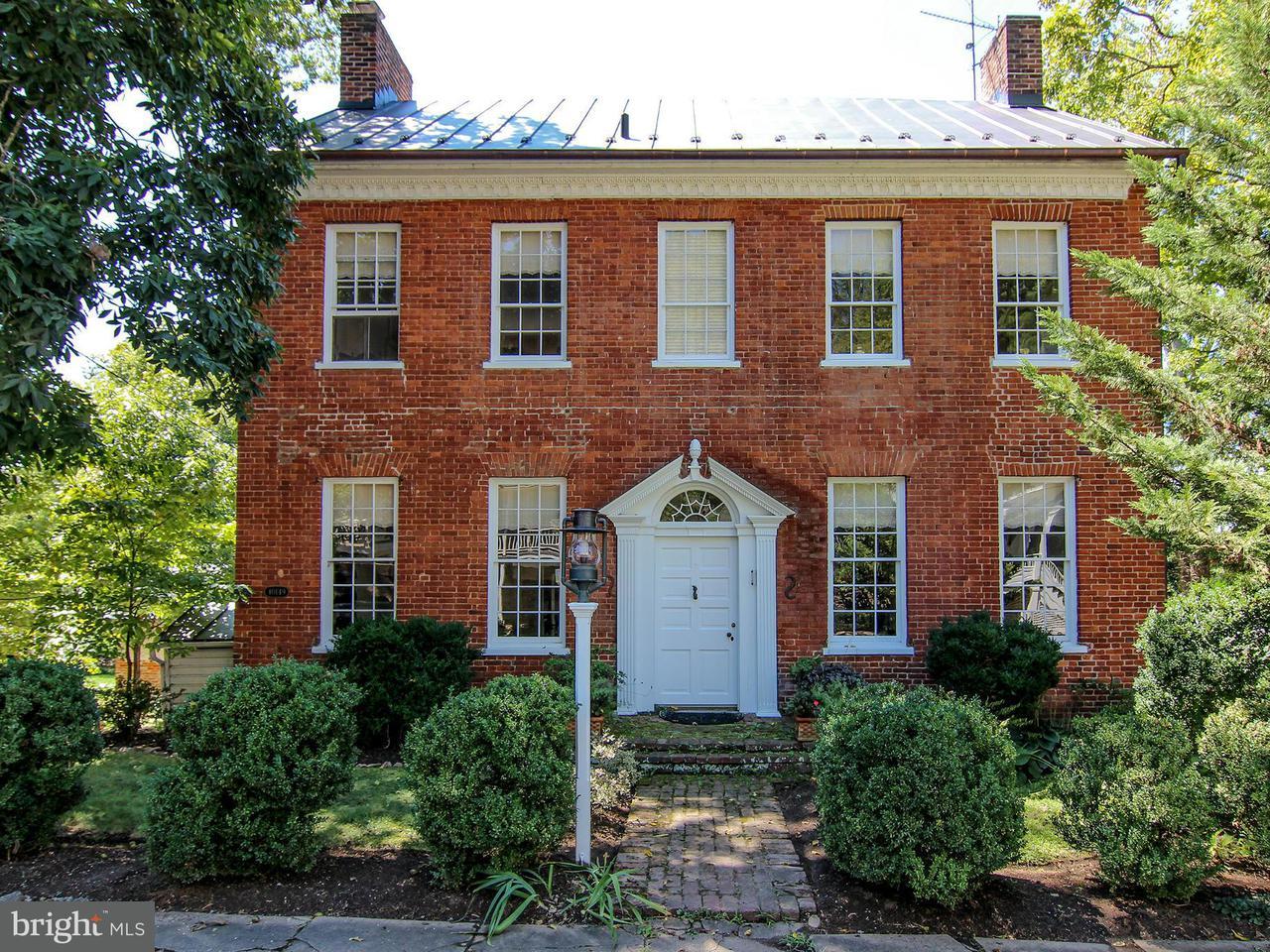 Casa Unifamiliar por un Venta en 40149 Main Street 40149 Main Street Waterford, Virginia 20197 Estados Unidos