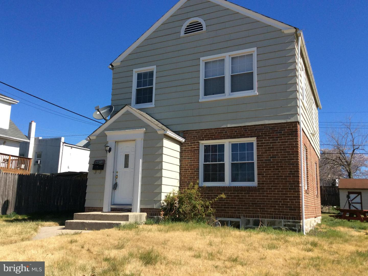 Photo of home for sale at 4400 Saint Thomas Avenue, Baltimore MD