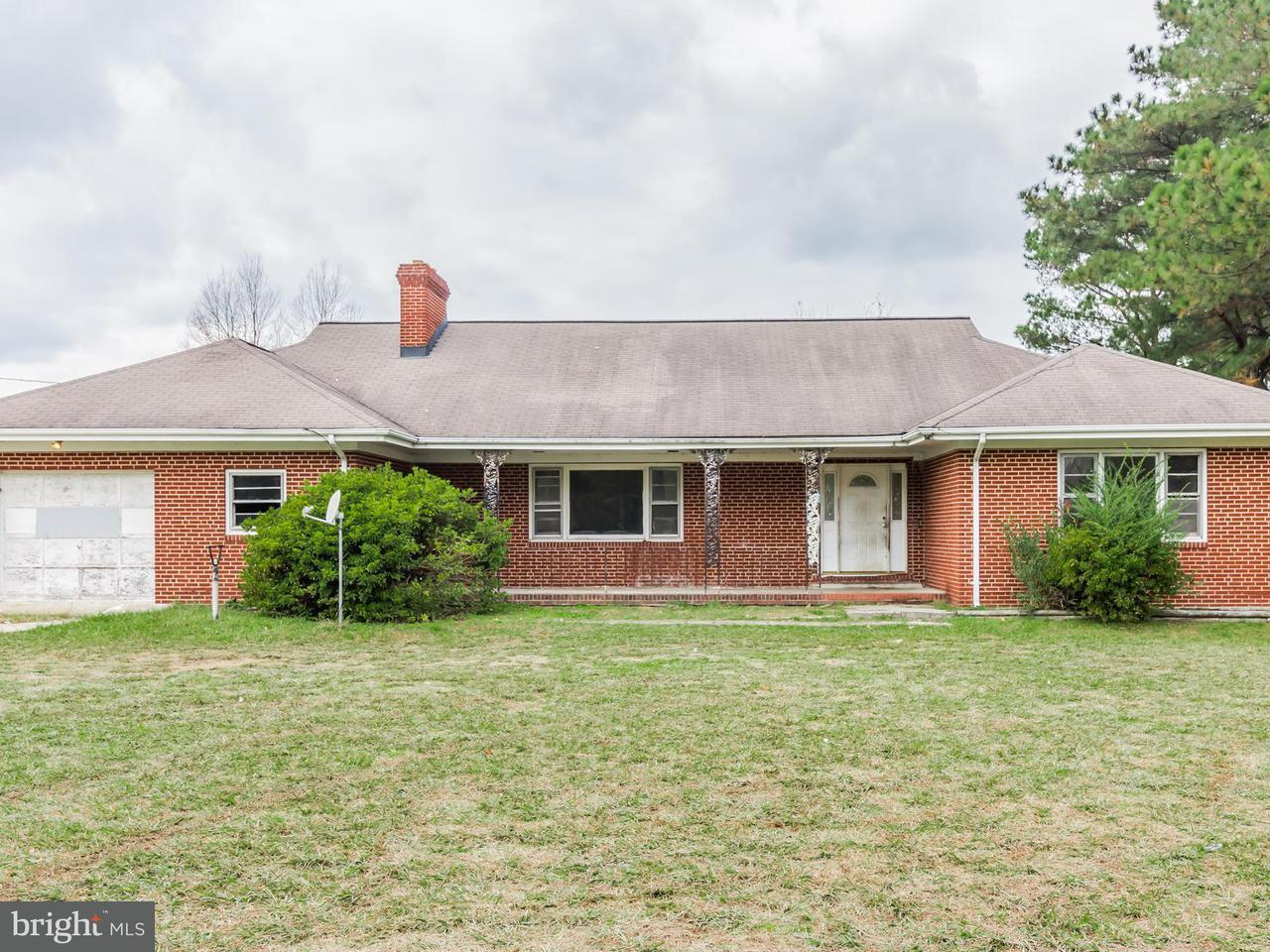 Single Family for Sale at 931 Greys Pt Topping, Virginia 23169 United States