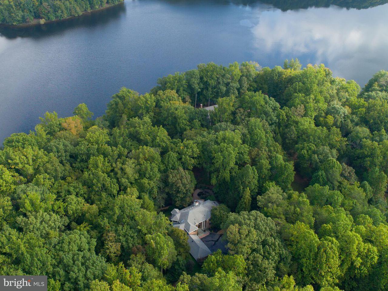 Single Family for Sale at 4580 Sunshine Ct Woodbridge, Virginia 22192 United States