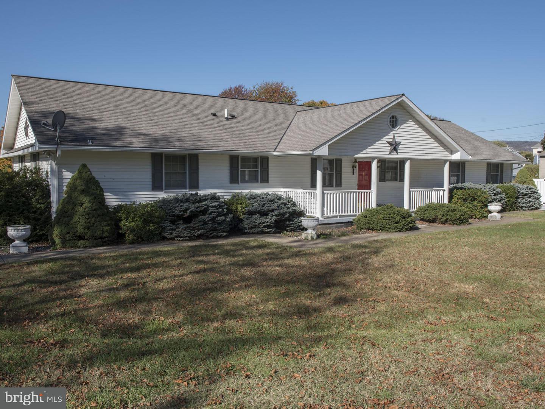 Single Family for Sale at 104 J St Shenandoah, Virginia 22849 United States