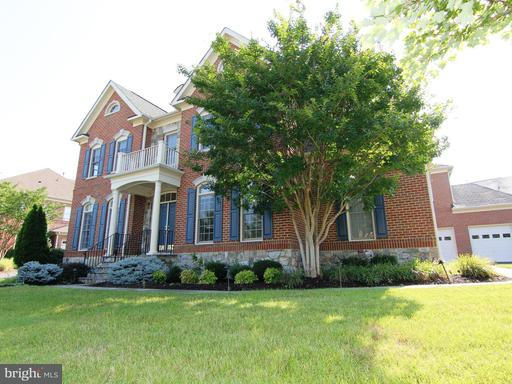 4520 Mixed Willow, Chantilly, VA 20151