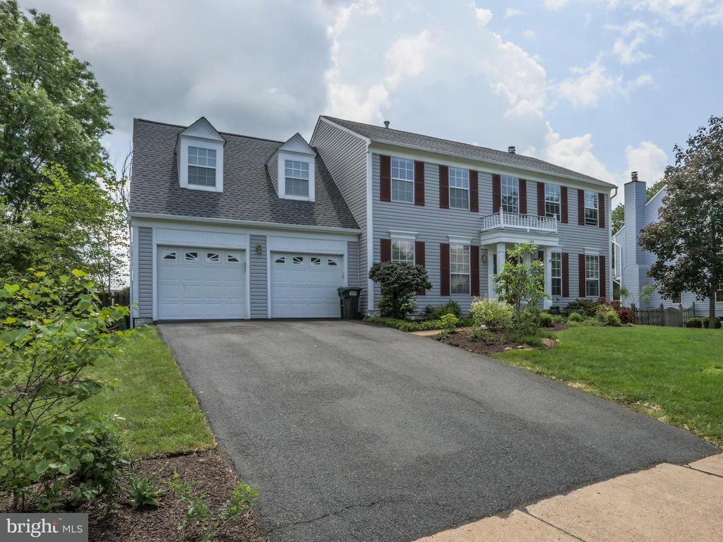 1489 KINGSTREAM DR, Herndon VA 20170