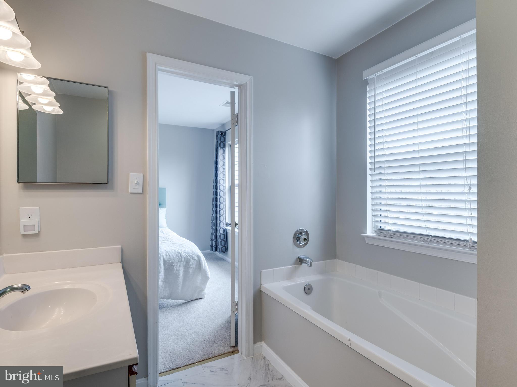 Colorful Sterling Bathroom Showers Model - Bathroom - knawi.com