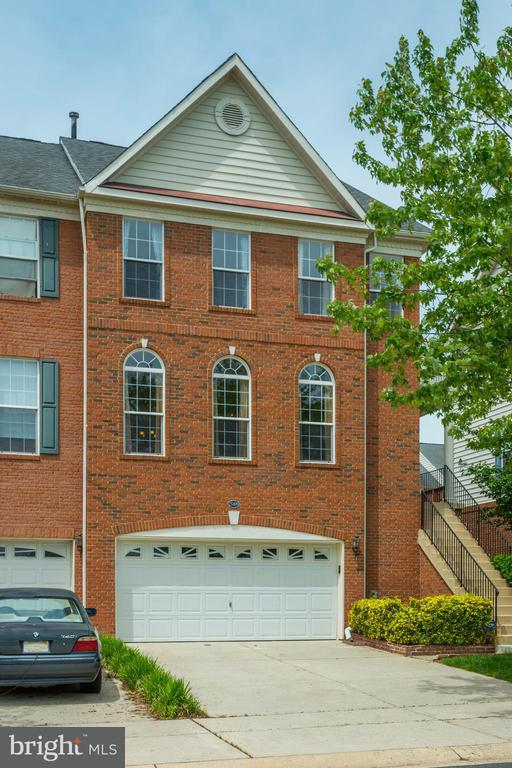 25499 BERESFORD DR, Chantilly VA 20152