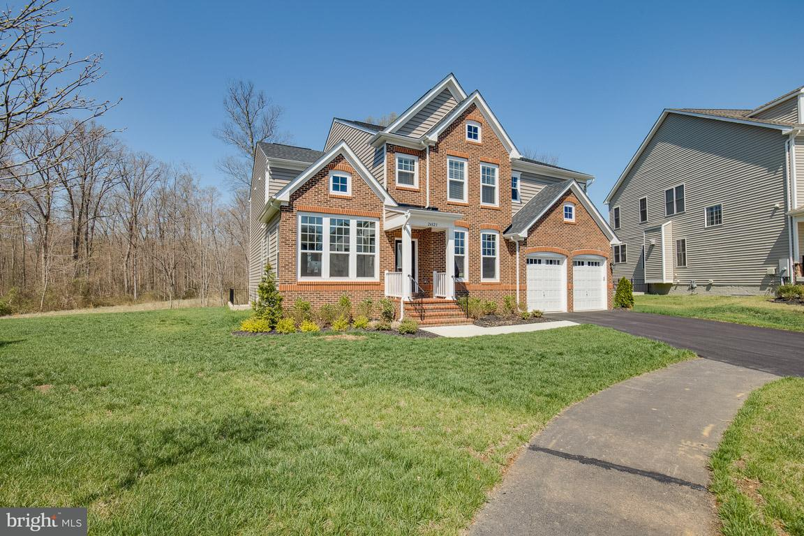 24823  Barrington Grove Court Aldie, VA 20105