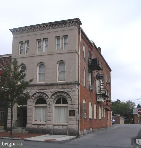 33 Main Street Waynesboro, PA 17268