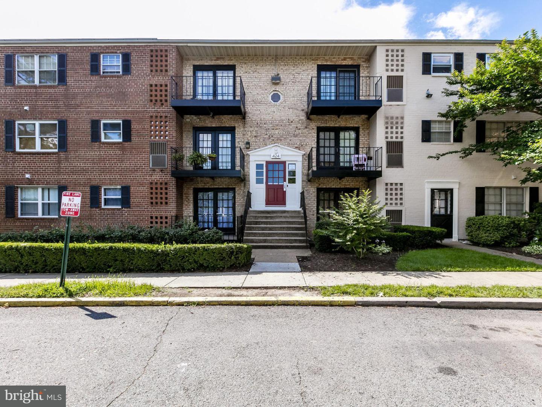424 Armistead Street #103 Alexandria, VA 22312