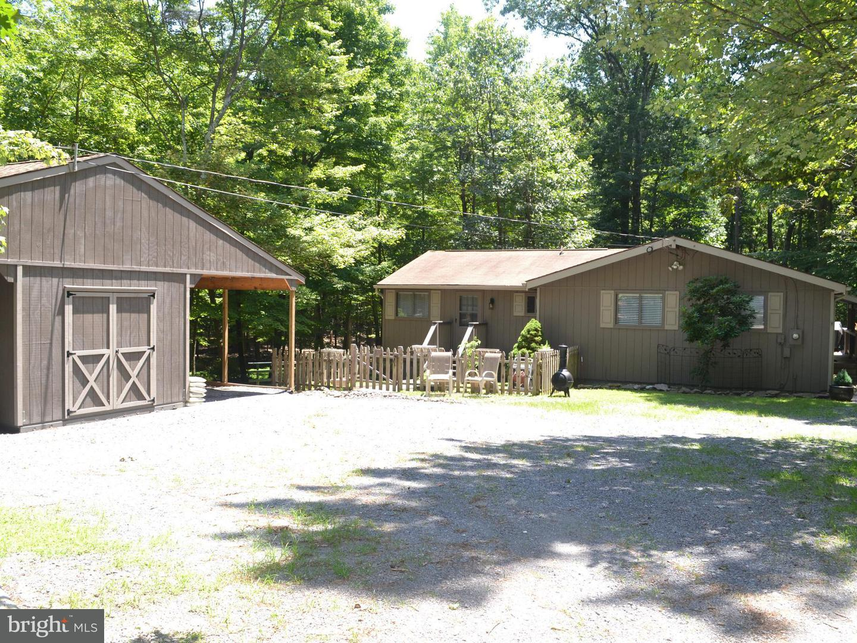 137 Shawnee Trail Hedgesville, WV 25427