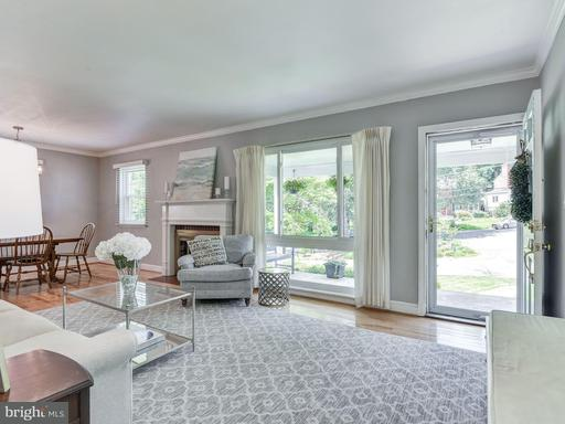 5808 Cleves, Bethesda, MD 20816