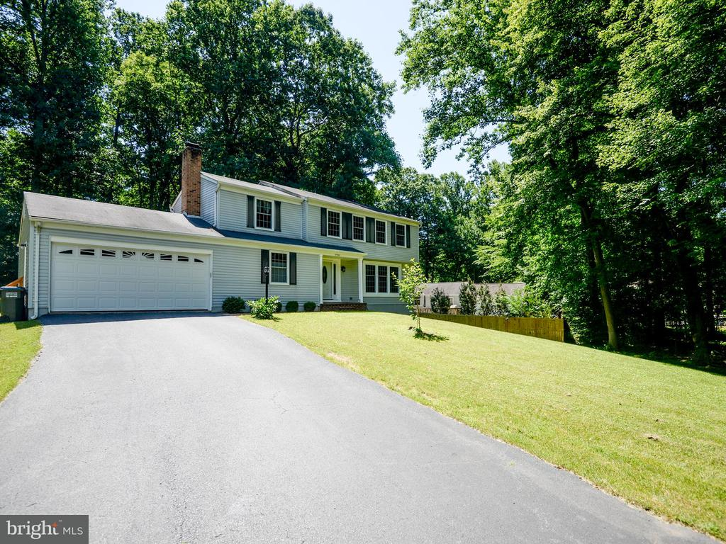 11953 APPLING VALLEY RD, Fairfax VA 22030