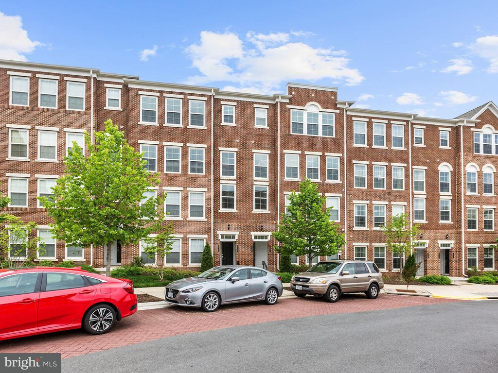 2995 RITTENHOUSE CIR #88, Fairfax VA 22031